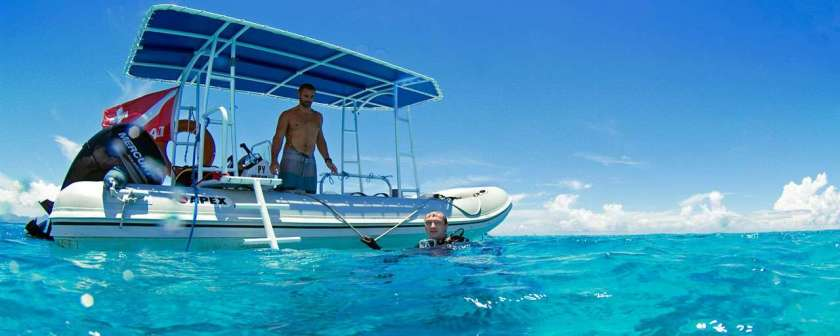 entete_img_polynesie_plongee_tahiti_013_plongee_dans_des_eaux_turquoises_jean_michel_mille